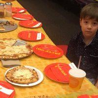 ¡Indignante! La historia del niño que invitó a 32 amigos a su cumpleaños... ¡Y no llegó nadie!